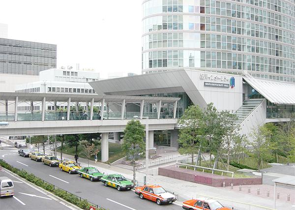 品川駅からは直通しており同じ階(2階)になります。